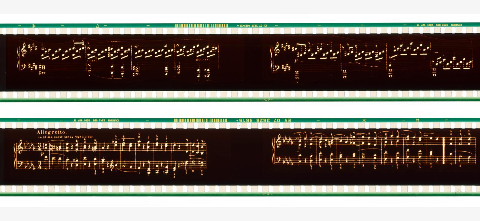 Antoni-Pinent-film-Musica-visual-en-vertical-cameraless-reinterpretations